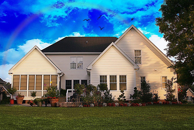 family-home-700225_1920